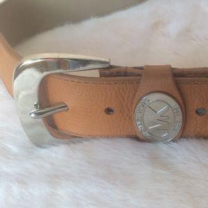Micheal Kors tan cognac leather medium belt